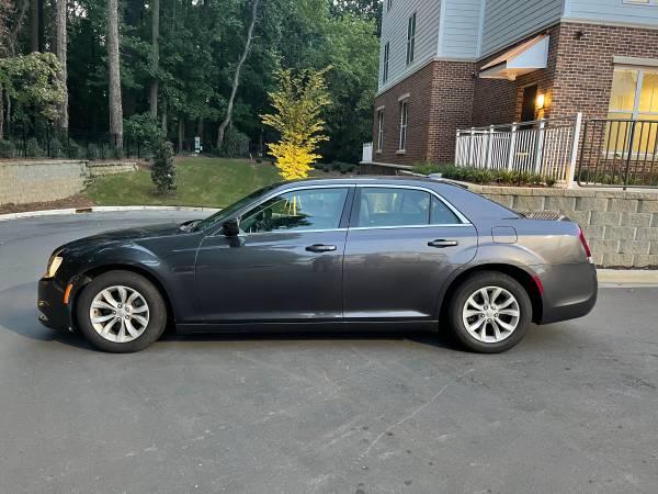 Photo Chrysler 300 Anniversary Edition - $20,500 (Mooresville)