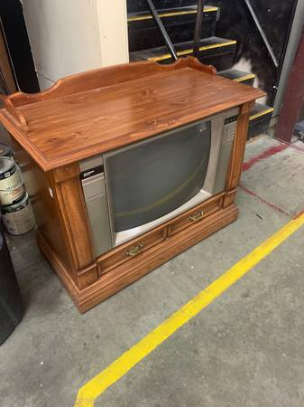 Photo Console TV (Indian Trail)