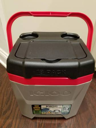 Photo Cooler Igloo 12 Qt The Cube Gray Red Black NEW - $30 (South Charlotte)