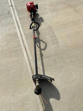 Photo Craftsman 2-Cycle Gas Trimmer Edger multiattachment yard tool - $90 (Quail hollow)