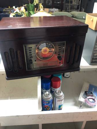 Photo Crosley Radio with CD, Cassette and Record Player - $80 (Mooresville)