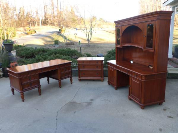 Photo Executive Computer Desk set made by Haverty Furniture - $2,460 (Gastonia)