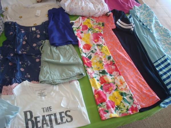 Photo Girls size 14-16 New  Pre-owned Clothing-LS  SS Tops,Pants,Dresses,S - $5 (Lake Wylie, SC)