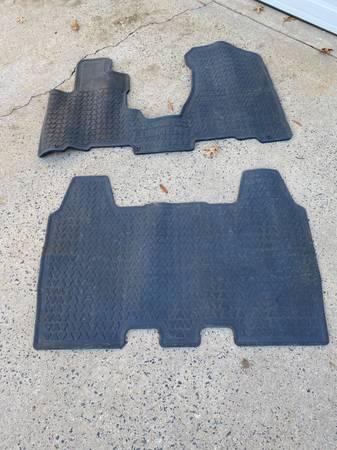 Photo Honda Element Factory Rubber Floor Mats - $50 (South Charlotte)
