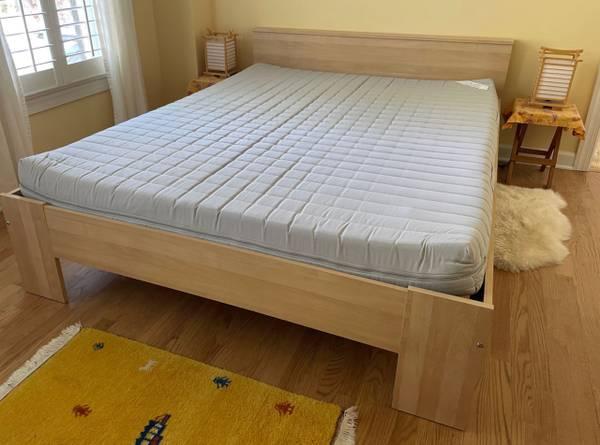 Photo Ikea queen bed with Sultan Fangebo mattress - $95 (Ballantyne)