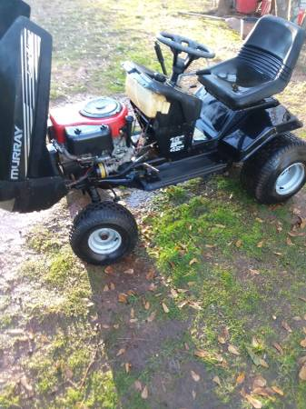 Photo Murray Riding Lawn mower 16hp 42inch - $100 (Lowrys)