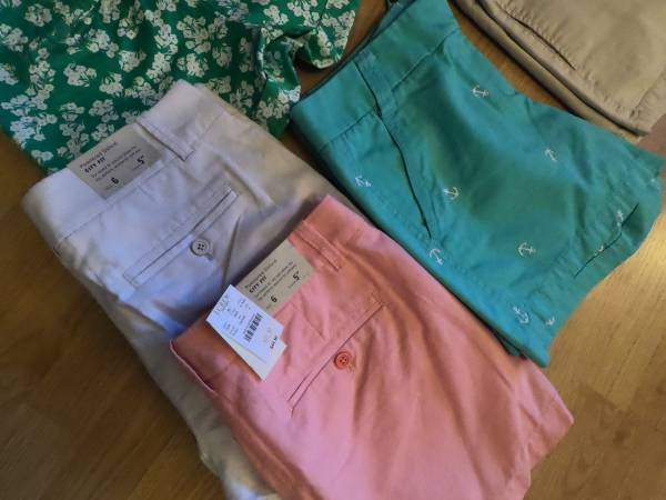 Photo New Name Brand WomensJuniors Clothes size 6  smallmedium (Albemarle)