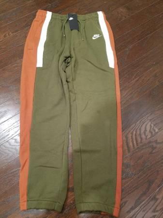 Photo Pants Mens Sweatswear Nike M Olive Green NEW - $45 (South Charlotte)