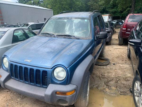 Photo Parting out an 03 Jeep Liberty - $1 (Kannapolis)