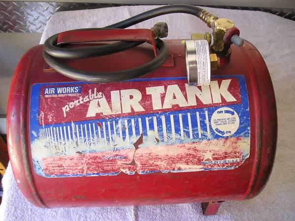 Photo Portable Air tank quotAir Worksquot - $20 (Charlotte)