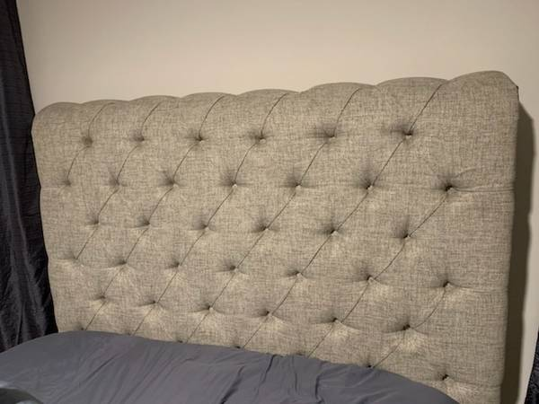 Photo Queen Upholstered Sleigh Bed - $400 (Paw Creek)