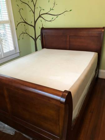 Photo Queen sleigh bed with memory foam mattress - $500 (Dilworth)