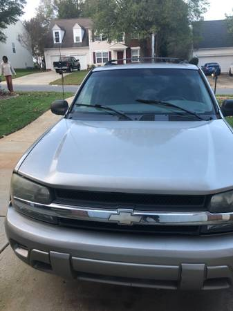 Photo Selling 2003 Chevy Trailblazer - $1,500 (Charlotte)