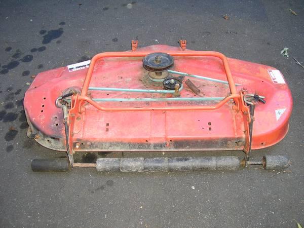 Photo Simplicity 48quot Mower Deck - $250 (Claremont)