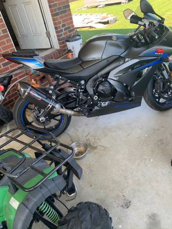 Photo Suzuki GSXR 1000 - $10,500 (Shelby N.C)