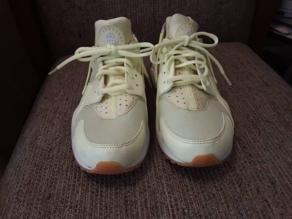 Photo Used Women Nike size 8 - $20 (Charlotte)
