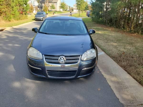 Photo VW Jetta 2010, 93000 miles, nice, ice cold air - $4,250 (Steele creek)