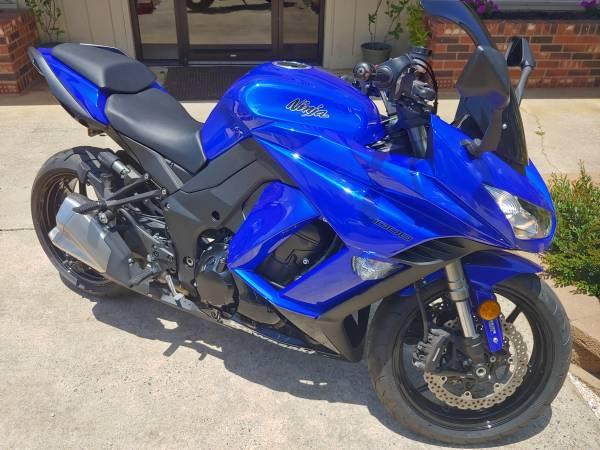 Photo Very clean Kawasaki Ninja 1000 ABS - $8,298 (Sherrills Ford)