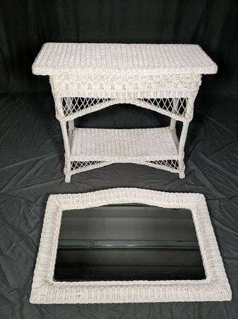 Photo Vintage White Wicker Rectangular ConsoleHall Table with Matching W... - $190 (DGastonia)