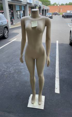 Photo mannequins, new brazil female form - $85 (Matthews)