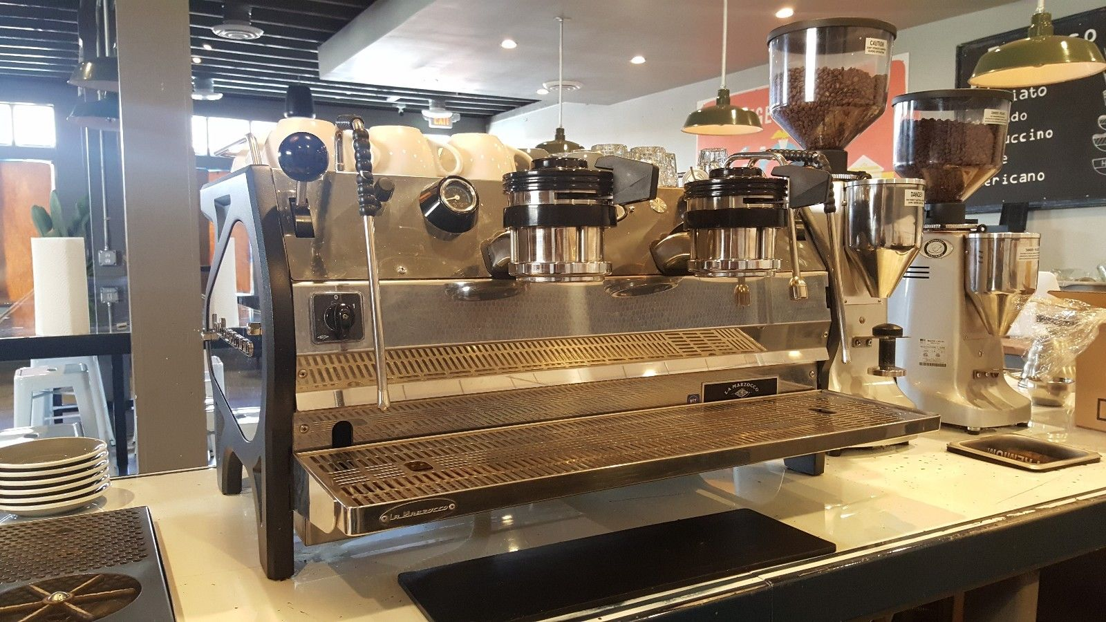 Photo 2015 La Marzocco STRADA FB70 - Chrome Expresso Machine