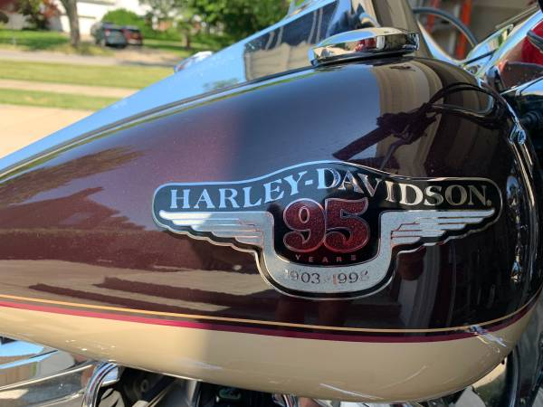 Photo 1998 Harley Davidson, FLHRCI, Road King Classic, 95th Anniversary - $7,600 (Amherst)