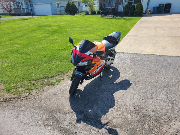 Photo 2005 Honda cbr 600rr - $5,000 (Wheatfield)