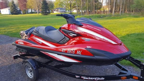 Photo 2015 FZR Yamaha Waverunner Jet Ski - $9,000 (North Tonawanda)
