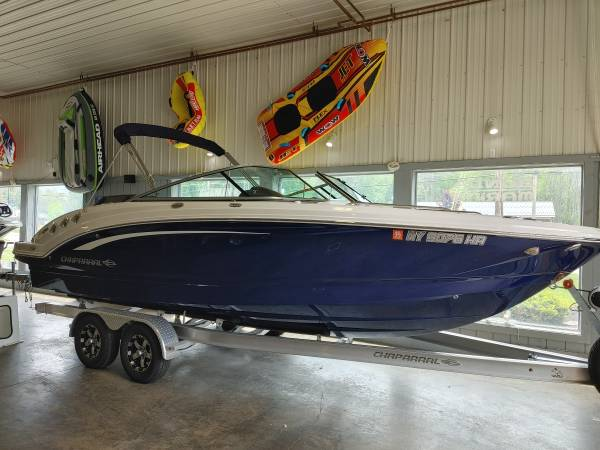 Photo Chaparral 246 SSI Bowrider Boat - $87,500 (westfield)