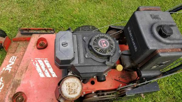 Photo Commercial Mower runs like a tank - $500 (Fredonia)