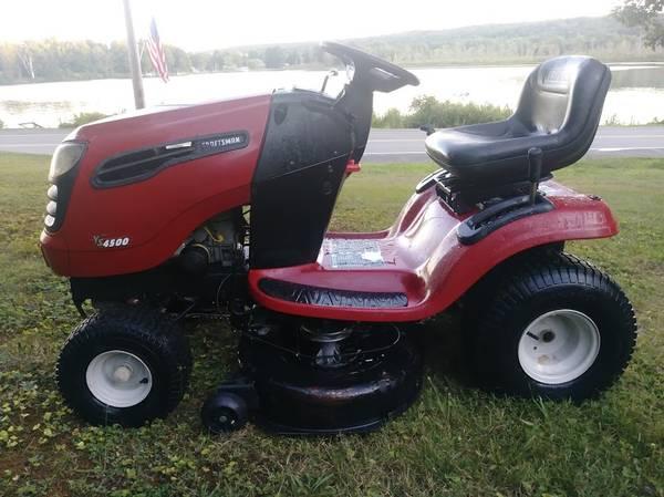 Photo Craftsman YS4500 riding lawn mower  Hydrostatic tractor w 21hp engine - $490 (Cassadaga)