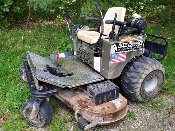 Photo Dixie Chopper commercial zero turn 60quot riding lawn mower needs work - $1,290 (Cassadaga)
