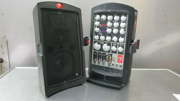 Photo Fender Passport PD-150 Speaker System - $195 (Buffalo)