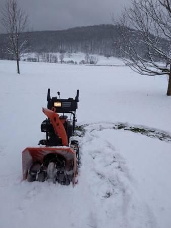 Photo Good used Husqvarna 9 hp  24quot snow blower - $350 (Randolph)