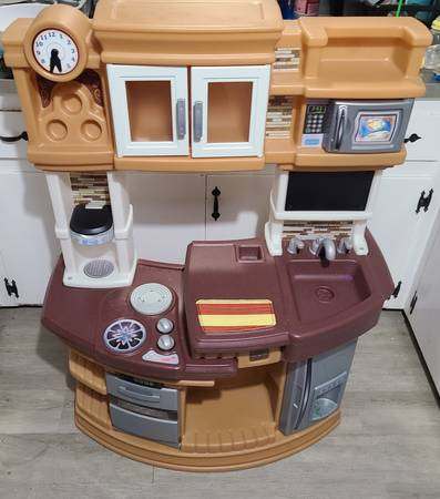 Photo Kids Play Kitchen - $20 (Hamburg)