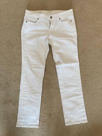 Photo Loft white jeans - $5 (Orchard Park)
