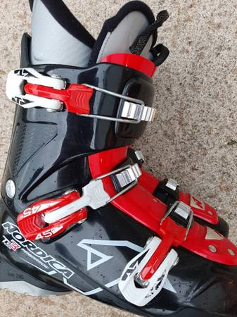Photo Nordica Firearrow Team 3 unisex youth ski boots, size 24.5 (size 6) - $65 (Harborcreek)