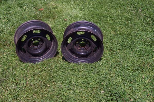 Photo Police Car rims - $110 (Ashville N.Y.)