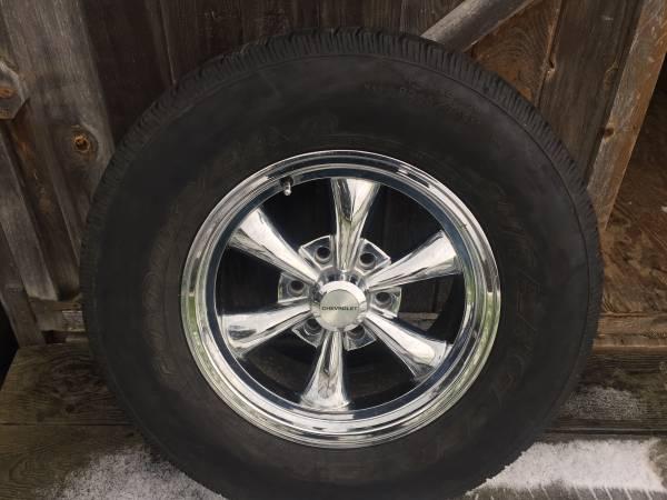 Photo chevy 6 lug wheels rims - $650 (Dunkirk)
