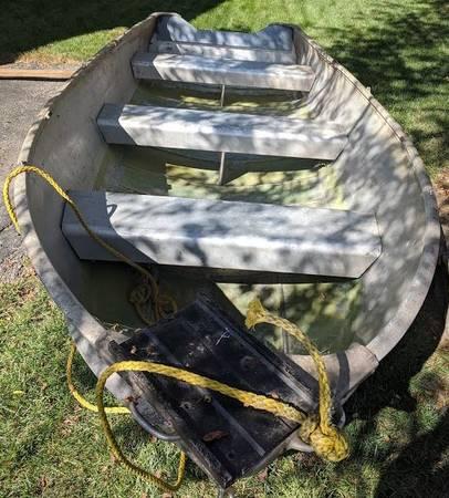 Photo 14 Ft Sears Fishing Boat Johnson 4hp - $1,750 (Algonquin)