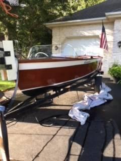 Photo 1957 Chris Craft Cavalier Wooden Boat - $8000 (Schererville)
