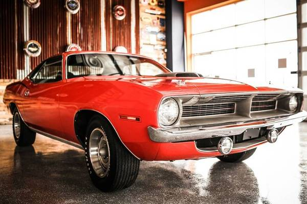 Photo 1970 Plymouth Cuda Hemi Classic 405 motos - $475000 (Mustang)