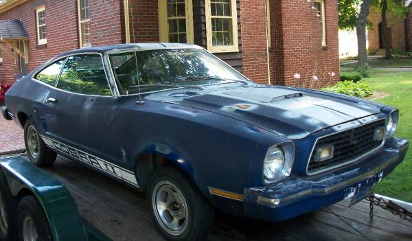 Photo 1976 Mustang II Ford Cobra II fastback parts 76 Mustang 2 hatchback 78 (Triumph IL)