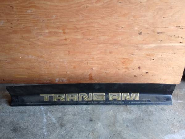 Photo 1979 pontiac firebird trans am Y84 TRUNK SPOILER 1980 1978 BANDIT WS6 - $50 (FLYINFIRECHICKEN)
