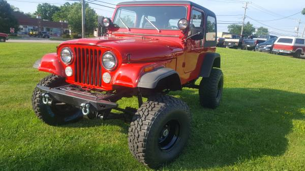 Photo 1984 JEEP CJ-7 LIFTED 35 IN TIRES - $9000 (WOODSTOCK)