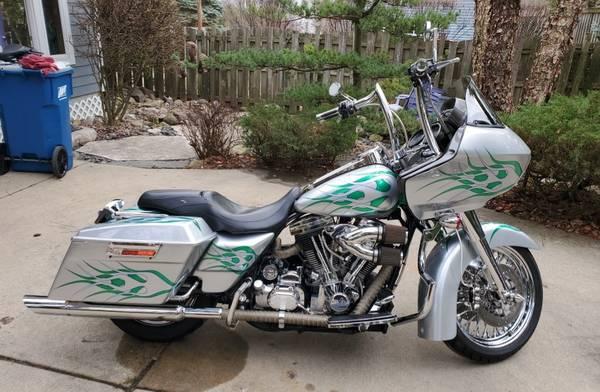Photo 1998 Harley-Davidson Road Glide - $15,000 (Glen Ellyn)