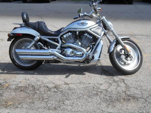 Photo 2003 Harley V-Rod - $5,000 (Chicago)