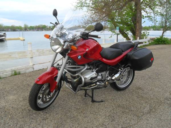 Photo 2004 BMW R1150R sport bike - $4,250 (Crystal Lake)