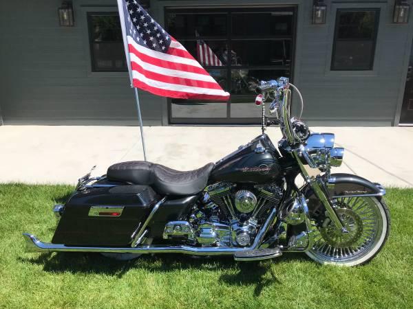 Photo 2007 Harley Davidson Roadking - $14,900 (Chicago)