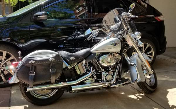 Photo 2011 Harley Davidson FLSTC Heritage Softail Classic - $9,500 (Elgin)